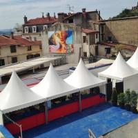 Théâtre antique, tentes garden accolées