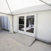 Structure isolée, double porte vitrée