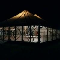 chapiteau bambou nuit